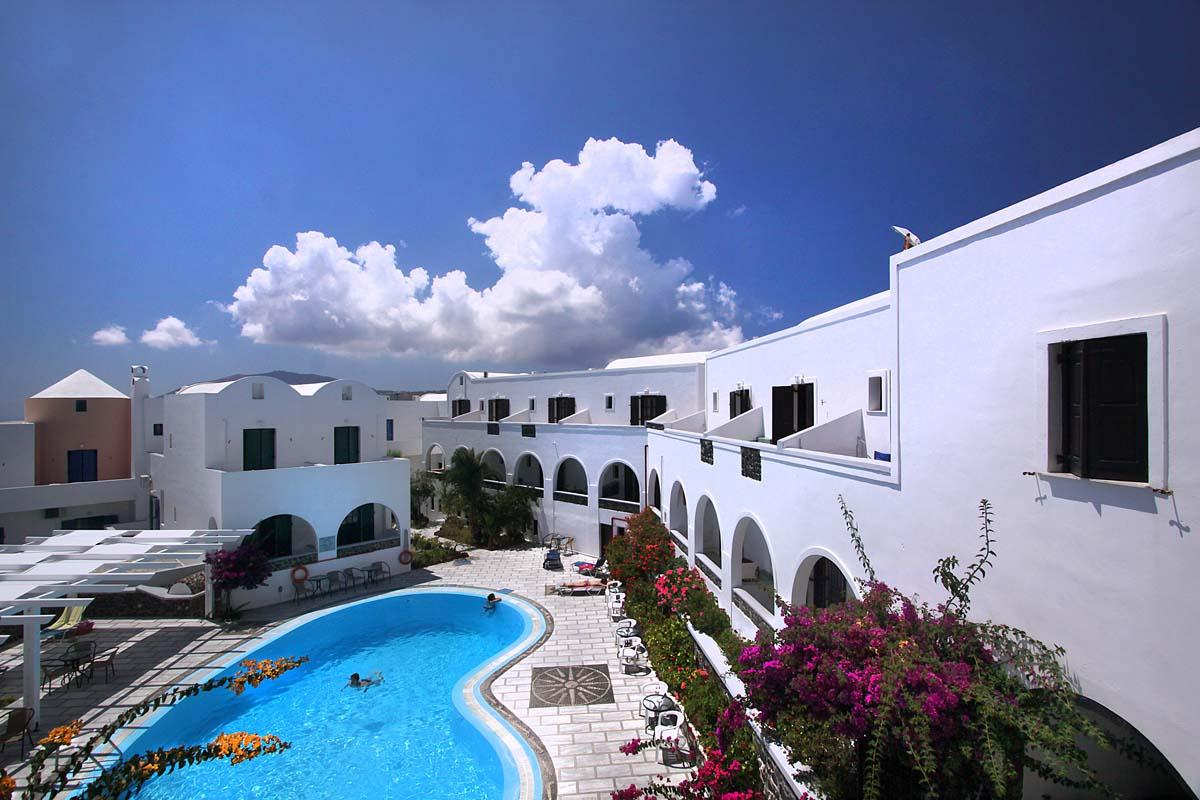 New haroula hotel santorini 2 star cheap hotel in for Cheap hotels